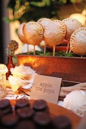 http://www.weddingpartyapp.com/blog/2013/09/17/fall-planning-tips-wedding-ideas-fall-season/