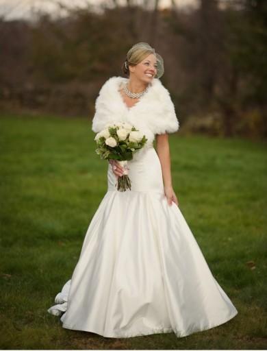 http://ericfoleyphotography.com/weddings/merry-christmas-crystal-chris-vol-1/