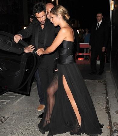 http://www.ibtimes.co.uk/cheryl-coles-sheer-black-wedding-dress-1457791