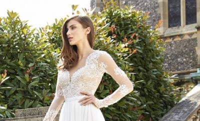 Camellia_SongbirdCollection2016_designerweddingdressesbySuzanneNeville1-550x839