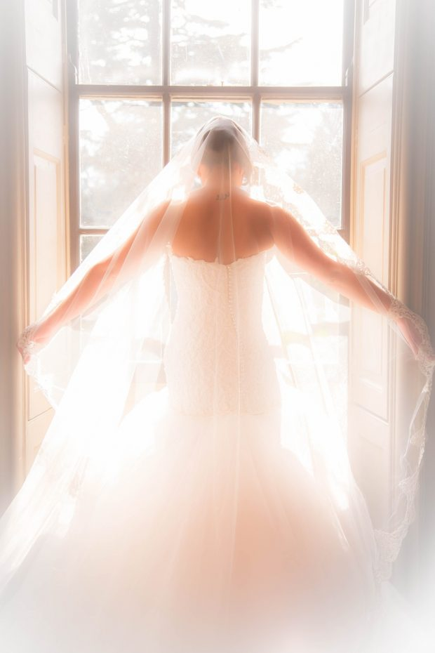 bridal-1942169_1280