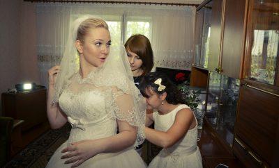 bridesmaids-442893_1920