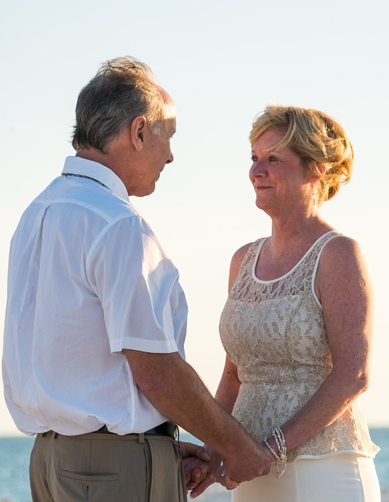 beach-wedding-1934714_960_720