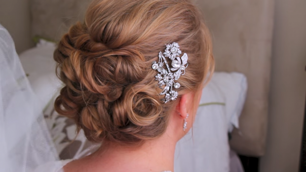1_The Classic Updo