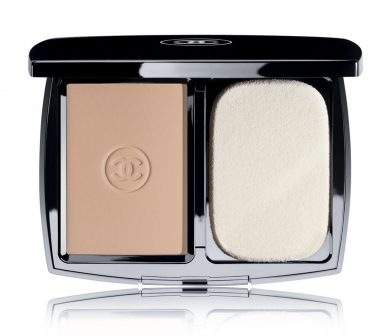 Powder Chanel's 'Mat Lumiére' powder