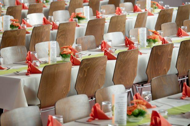 banquet-453799_960_720