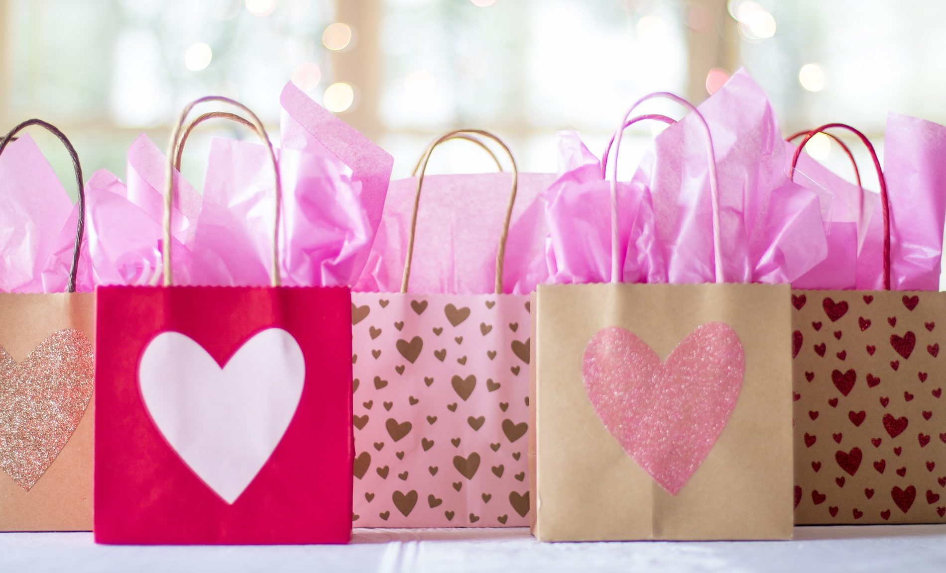 6 Of The Best Wedding Gift Registry Services - North West Brides