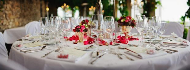 The Top Table At Your Wedding: Who Should Sit There And